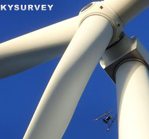 Technology_Maintenance_Inspection_Skysurvey_drone_windturbine
