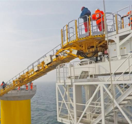 Technology_oil_gas_logistics_walktowork_gangway_containerized_SMST1