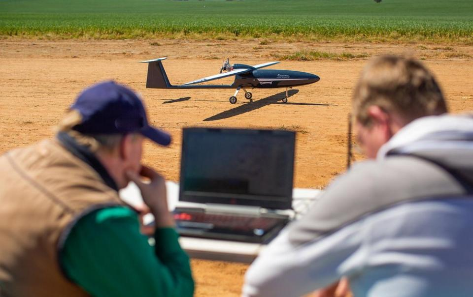 Silvertone_Autonomous_Unmanned_Vehicle_Drone_Autopilot_Remotely_Piloted_Aircraft_TakeOff_Ground_Operations