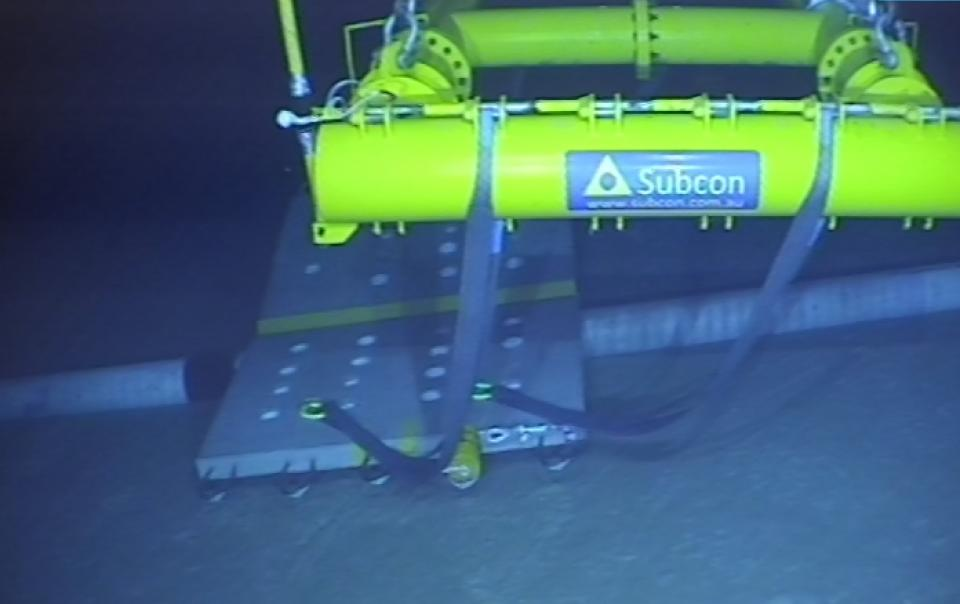 Pipeline_Subsea_Subcon_clamping_mattress_Installed_pan_ back