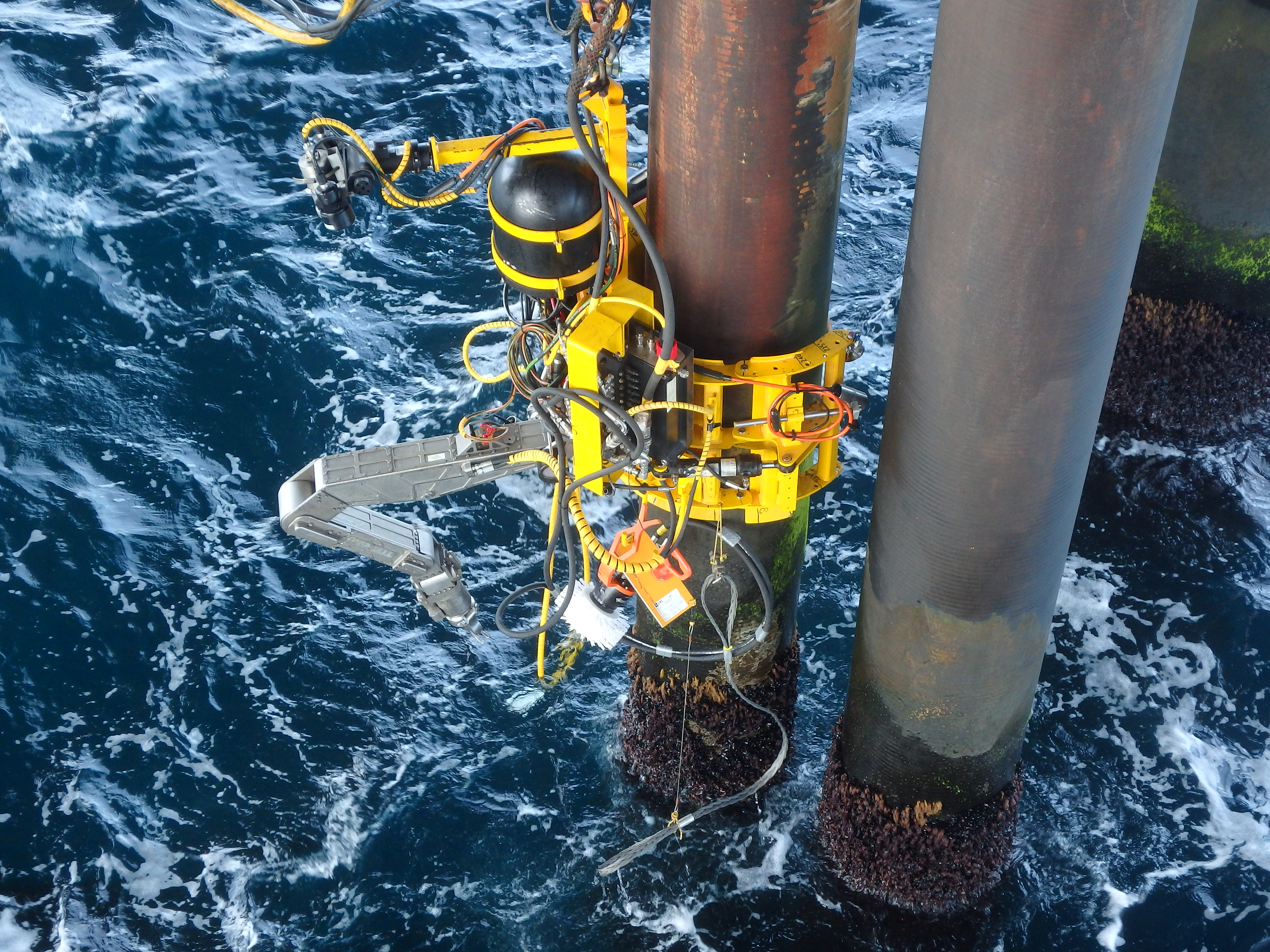 Technology_oil_gas_Pipeline_Subsea_Inspection_OceanTech_Splash_zone_services_robotics